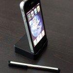 iPhone 4G in Dockstation + Bedienstift