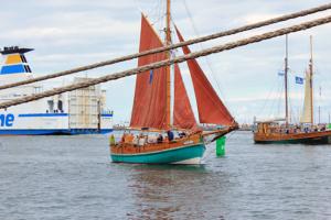 ellen-und-phoenix-segelschiffe-rostocker-hansesail-2016