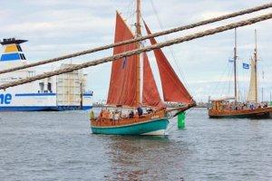ellen-und-phoenix-segelschiffe-hansesail-rostock-2016