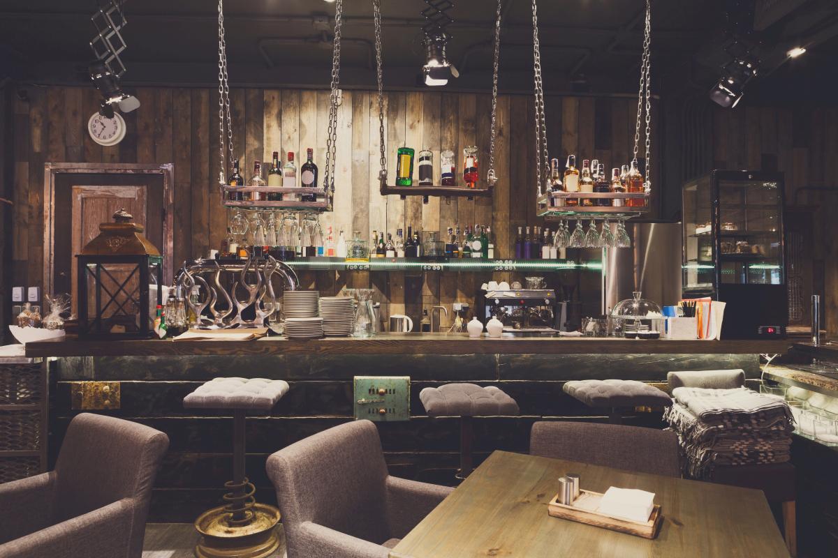 Designermöbel - Bauen-in-Holz - Restaurant-Artikel - auf Internetblogger.de